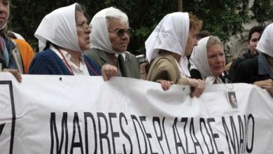Photo of Las Madres de Plaza de Mayo cumplen 44 años y lo celebran con un acto virtual
