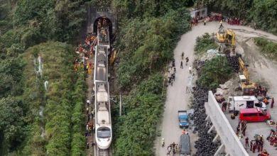 Photo of Al menos 48 muertos y 60 heridos tras descarrilar un tren en Taiwán