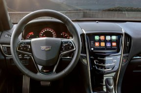 Cadillac-Apple-CarPlay