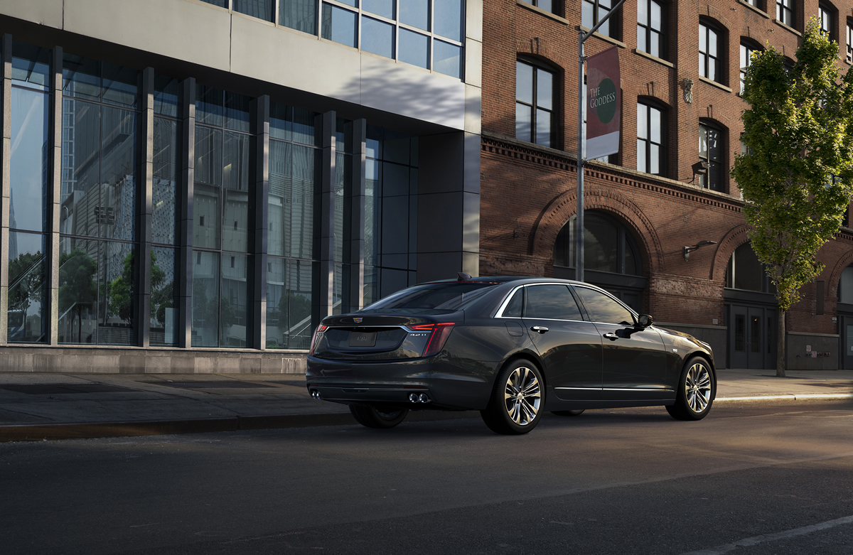 Cadillac introduces the first-ever 2019 CT6 V-Sport, boasting an estimated 550-horsepower twin-turbo V-8 and design language inspired by the Escala.