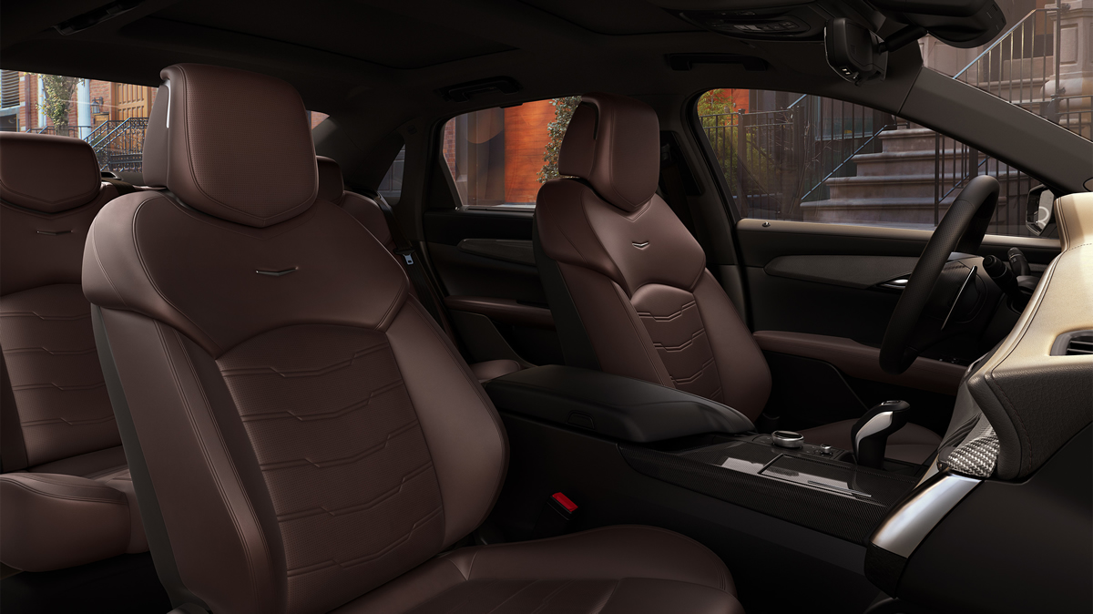The 2019 CT6 V-Sport offers a connective environment, with a smartphone-like experience with an intuitive interface, faster response, improved voice recognition from previous generations and a new rotary controller that offers users alternative ways to interact with the system.