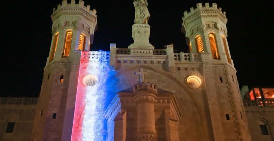 Notre Dame de Jerusalem, solidaridad con París (Foto: Arnon Bosani)