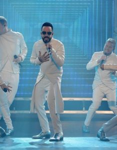 Backstreet boys lionel richie gwen stefani also zappos theater planet hollywood las vegas resort  casino rh caesars