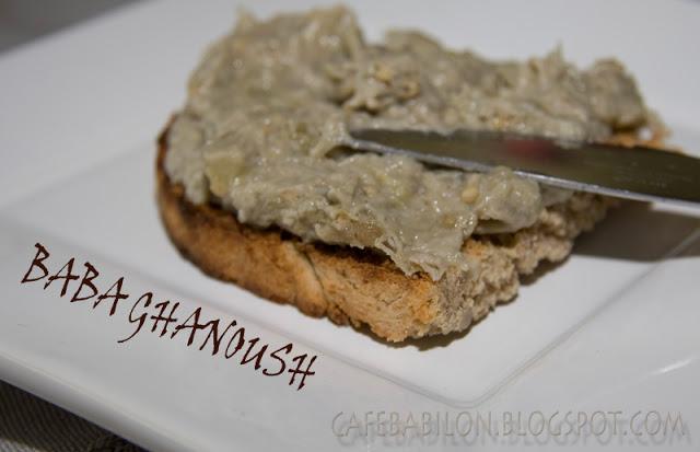 Baba ghanoush - pasta z pieczonego bakłażana