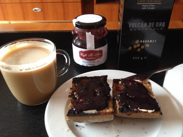 Desayunando con Café Té Arte