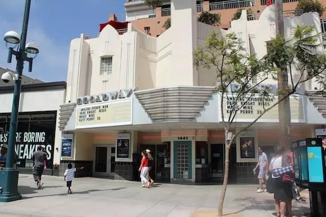 Westwood: lojinhas de ruas e cinemas clássicos de grandes pré-estreias em LA