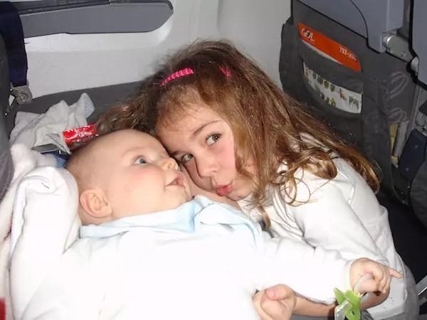 Mana Cata - a única que fez o Mati parar de chorar no avião!