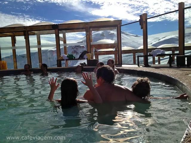 A gente adorou pegar um calor e aproveitar a neve com piscina!