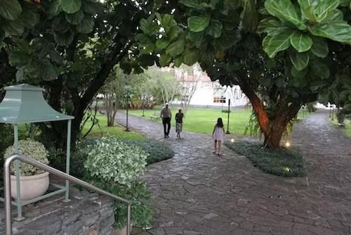 o jardim é o ponto alto do hotel!