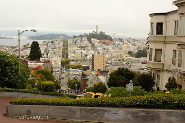 o topo da Lombard Street - rua mais famosa de SF