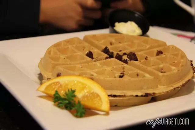 waffle com chocolate chip