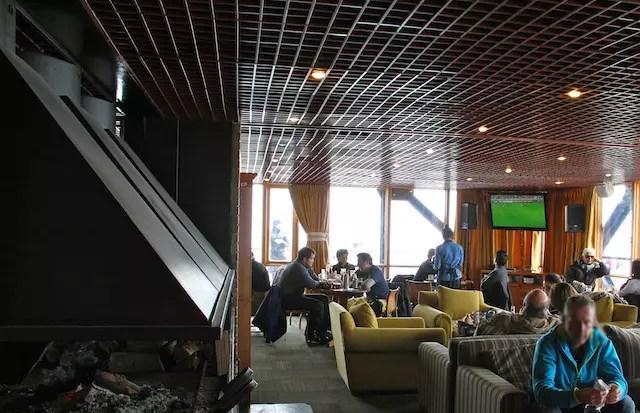 Bar Lounge antes de começar a lotar no fim de tarde