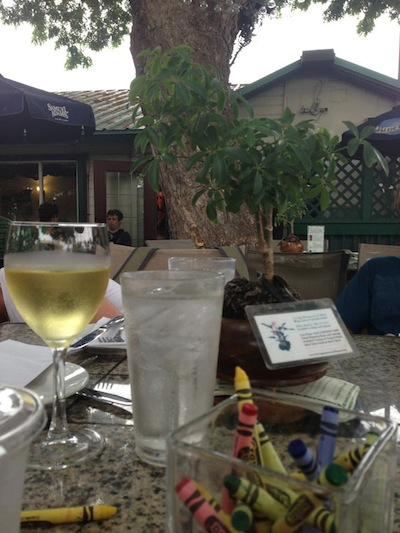 Three's Bar & Grill, em Kihei, Maui/Hawaii. Dica de restaurante Kids friendly,