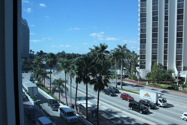 vista da janela do apartamento para a Collins
