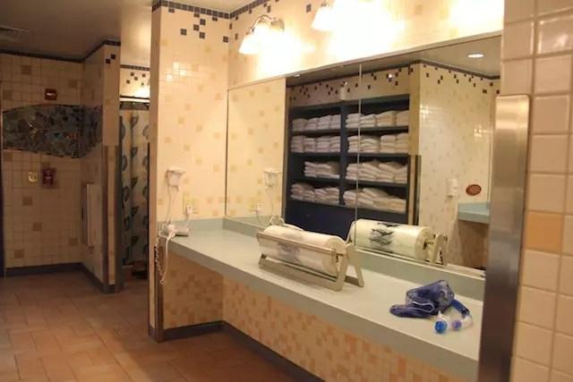 Os banheiros impecáveis.