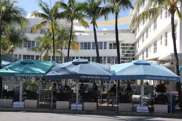 Segunda a nossa guia, este é o bar mais popular e recomendado na Ocean Drive: