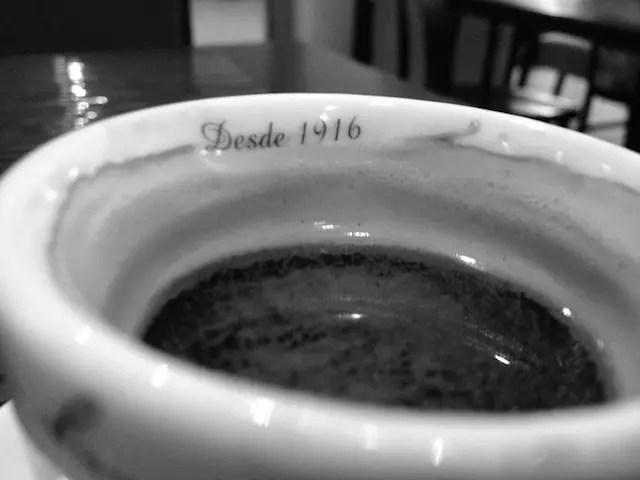 O café servido é do Café do Centro - empresa de SP que nasceu em 1916