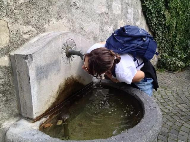 Sede no verão não é problema na Suíça. A água é de graça!