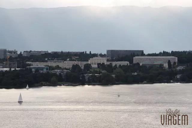prédio da ONU visto de Colony - bairro chique na outra margem do Lago Léman