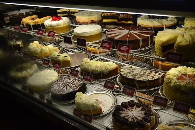 a vitrine irresistível do Cheesecake Factory