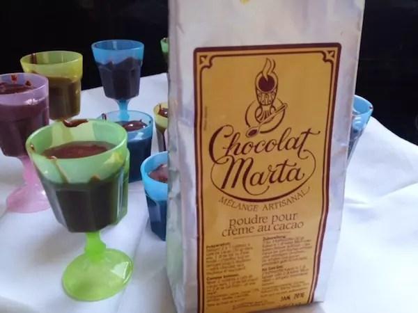 O chocolate em pó que trouxe do Le Barbare e os brigadeiros com sabor único da Suíça!