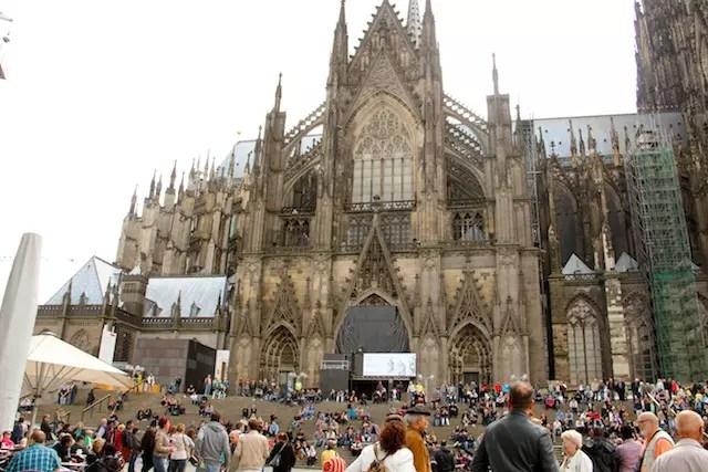 A Catedral gótica, um patrimônio da UNESCO e que atrai multidões