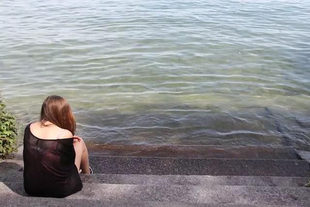 Chegando mais perto para mostrar a cor da água… Limpíssima!
