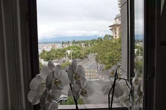 minha janelinha com vista espetacular de Lausanne!