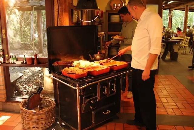 os deliciosos pratos quentes aos cuidados do Chef