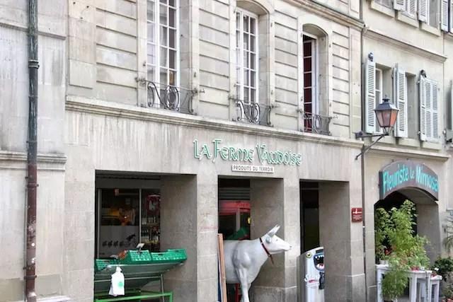 Em plena Praças de La Palud, uma loja com produtos gourmets da região!