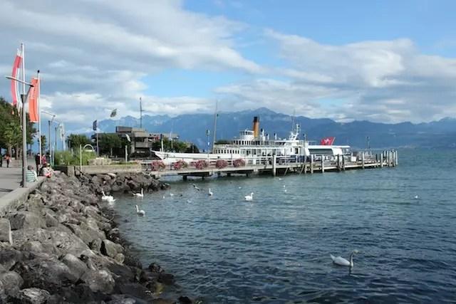 Roteiro Lausanne na Suíça - o astral da caminhada pelas margens do lago