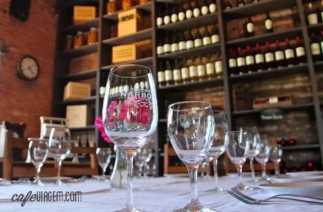 O charme do restaurante da Narbona