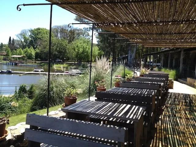 As mesas do restaurantes Basta Pedro