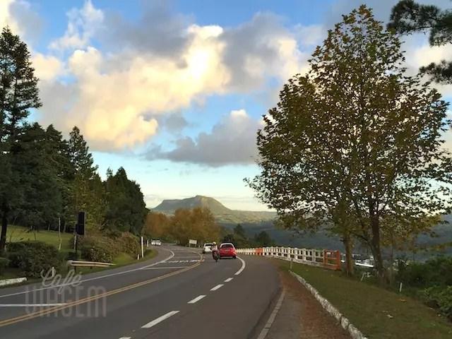 A outra estrada no trecho mais bonito: descendo de Gramado para Três Coroas e Igrejinha