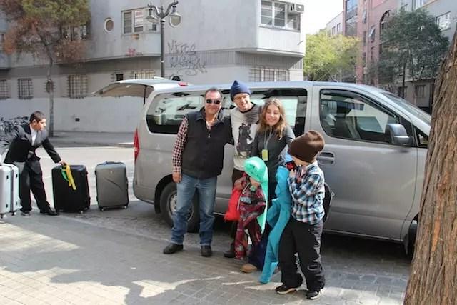 Família chegando no hotel com a Exploring Chile !