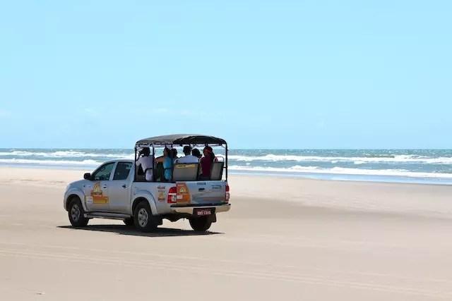 o transporte até a praia de Caburé