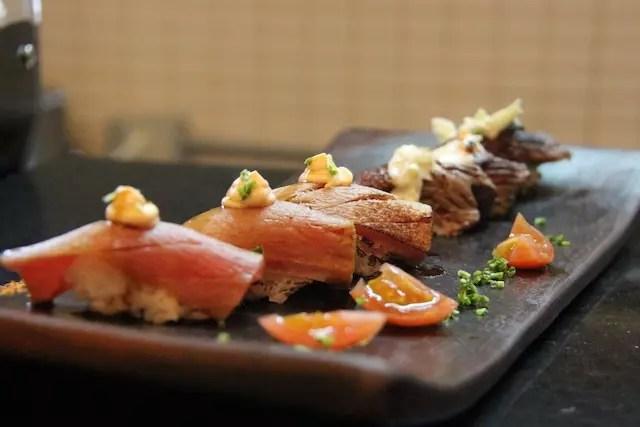 isso foi um escândalo !! Já comeu sushi de carne?