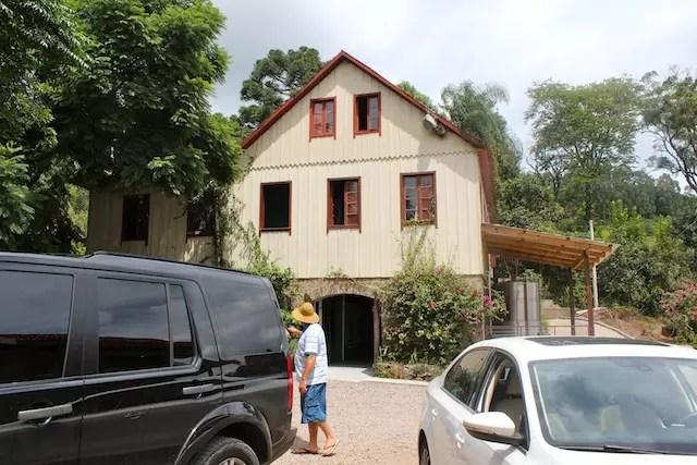 Antes do almoço, uma paradinha na rota para visitar o sítio de Jorge Mariani que faz parte da COOPEG, cooperativa de orgânicos da região.