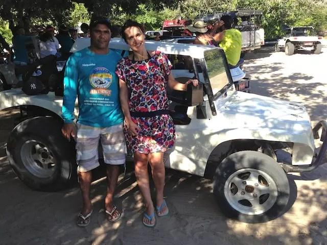 Eu e o Neguinho, nosso motora e guia do buggy. Recomendo!