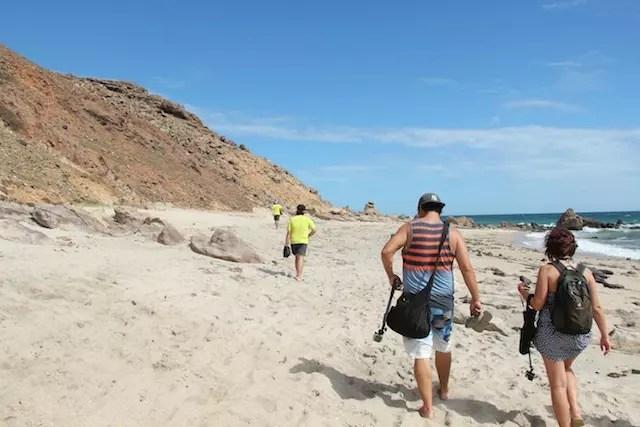 A caminhada até a Pedra Furada (leve água!)