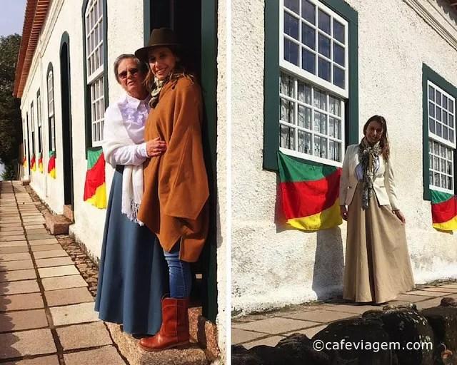 Na Casa Gomes Jardim com Íris Leão e desfilando de prenda