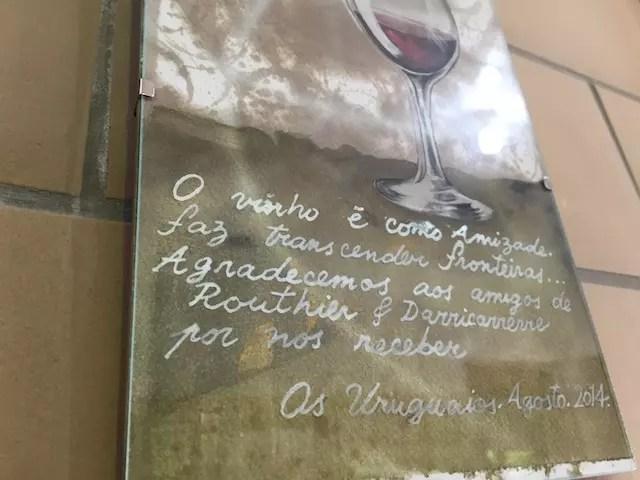 nas paredes da Vinícola, um belo texto