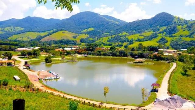 faz-vale-da-mantiqueira_lago
