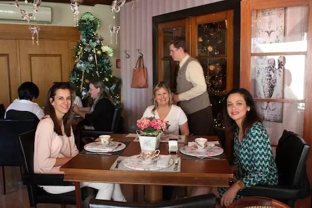 A companhia à mesa também foi especial: Francine do blog Viagens que Sonhamos, Luciane do blog Vou Viajar e Su do blog Viagem Simplesmente