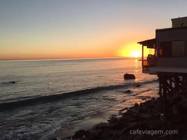 onde comer na praia em Malibu