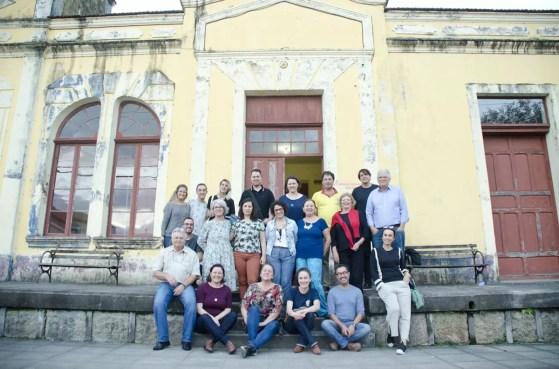 A turma da viagem com os produtores e associados da ProGoethe de Urussanga reunidos
