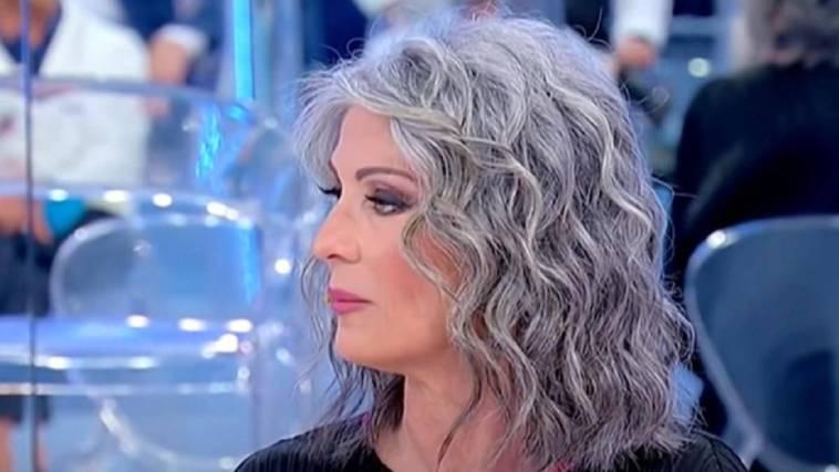 Isabella Ricci col look stravolto dopo UeD: sembra un'altra