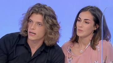"""UeD, Massimiliano Mollicone furioso dopo quello che hanno fatto a Vanessa: """"Fatevi una vita"""""""