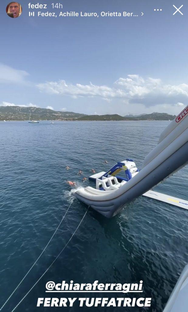 Fedez paura scivolo yacht
