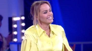 """Sonia Bruganelli, colpo di scena al Grande Fratello Vip 6, Paolo Bonolis nel mirino: """"Mi ci ha fatto credere…""""."""